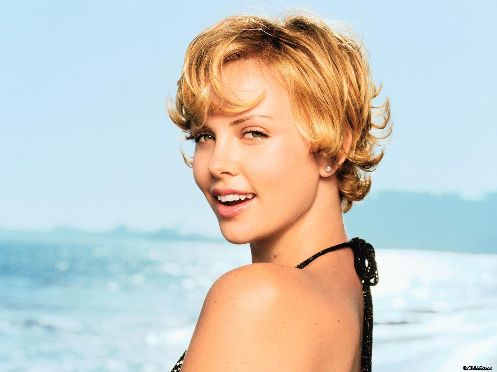 Charlize Theron (35)